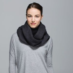 Lululemon Blissed Out Circle Scarf Merino Wool